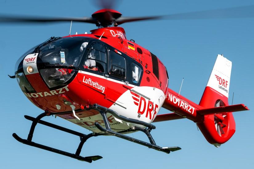 Auch in Friedrichshafen am Bodensee kommt eine H135 zum Einsatz (Aufnahme aus dem August 2020)