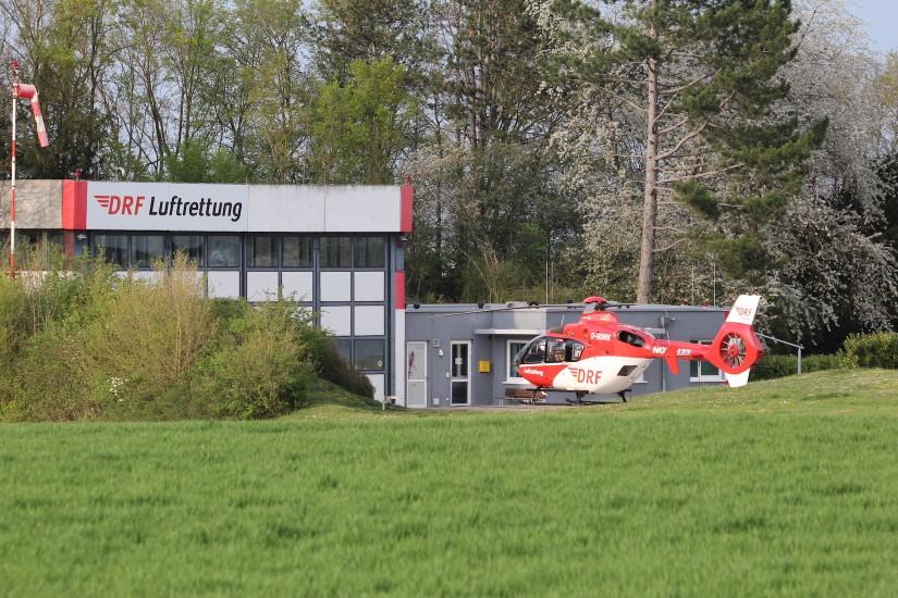 In den vergangenen Jahren wurde in Leonberg die Luftrettungsstation modernisiert und ihr Umfeld umgestaltet; auch dieses Bild aus dem Frühjahr 2020 zeigt bereits nicht mehr den neuesten Stand