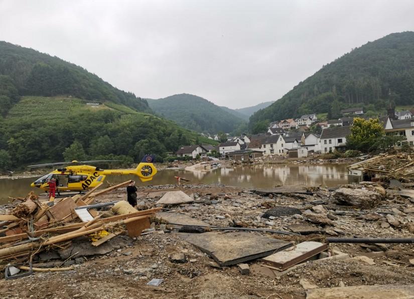 Bei der Flutkatastrophe 2021 kam es durch unpassierbare Straßen zu vielen Einsätzen, bei denen Hubschrauber Menschen aus höchster Not retten mussten. Viele der Hubschrauber waren aus anderen Bundesländern angerückt