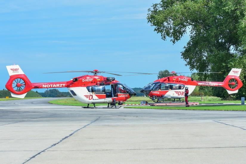 Bald der Normalfall: Zwei Hubschrauber vom Typ H145 der DRF Luftrettung in Bautzen, hier eine Aufnahme vom 23.09.2021