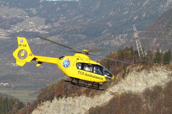 Der Hubschrauber vom Typ EC 135 ist von der Station in Birrfeld 24 Stunden pro Tag einsatzbereit