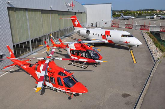 Die Flotte der Rega, zwei Hubschraubertypen für die Luftrettung, der Ambulanzjet, genutzt zur Auslandsrückholung