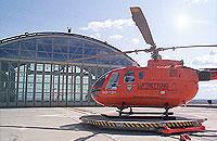 Christoph 2 vor seinem Hangar