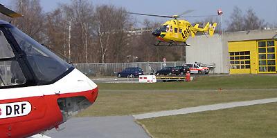 Beide Bremer Hubschrauber am ZKKH