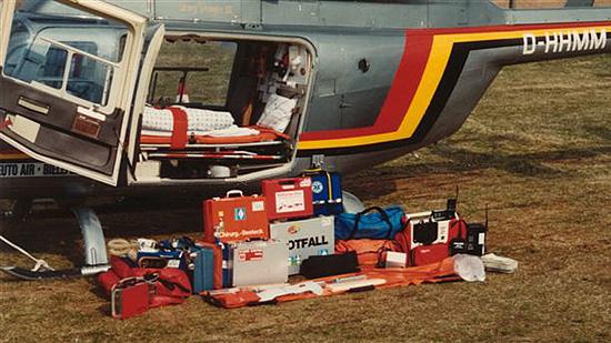 Ein Teil der medizinischen Ausrüstung des Bell 205-Nachfolgers, der D-HHMM von TeutoAir