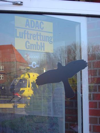 Achtung Flugbetrieb: Christoph 26 des ADAC, seit mehr als 25 Jahren in Nordwestdeutschland unterwegs. Fester Bestandteil des Rettungsdienstes und am 16.12.04: Im Mittelpunkt des Interesses