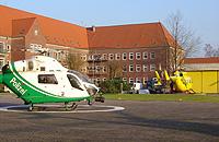 """Christoph 26 und Gasthubschrauber """"Phönix"""" der nieders. Polizei"""