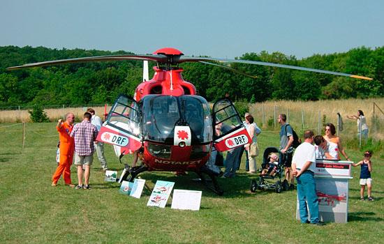 Besichtigung der Eurocopter EC 135 der Rettungsflugwacht: Ein Erebnis für die Besucher