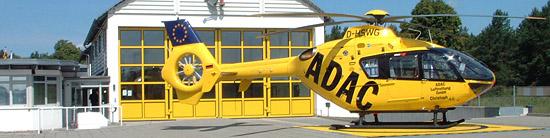 """Christoph 48 auf seinem neuen Stammplatz. Die EC 135 P2 """"D-HSWG"""" (Seriennr. 0481) ist eine der 3 neuesten Maschinen dieses Typs, die Eurocopter für die ADAC Luftrettung GmbH ausgeliefert hat"""