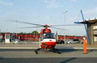 Einsatz am Bahnhof Westerland auf Sylt; die laufenden Rotoren unter Beobachtung