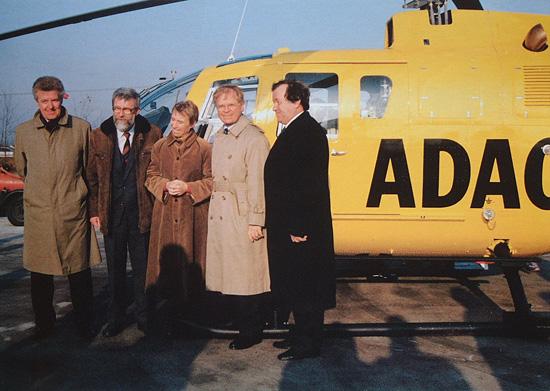 Gruppenbild mit Dame am 21.12.1991. V.l.n.r.: G. Kugler, Dr. H. Handschak, Dr. R. Hildebrand, H.-W. Leukel und S. Steiger