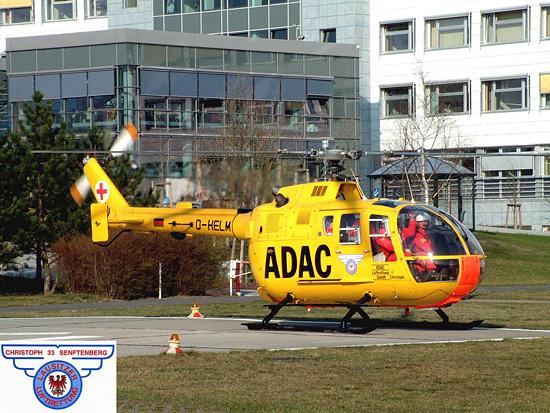 """Christoph 33, die BO 105 CBS mit ihrem markanten Logo der """"Lausitzer Luftrettung"""" an der Seitentür. Die Maschine mit der Kennung D-HELM versieht noch heute ihren Dienst in Senftenberg"""