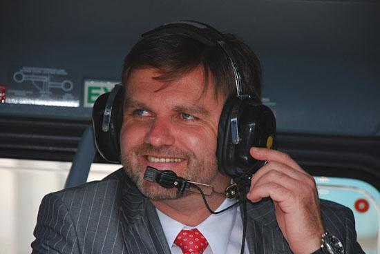 Minister für Inneres und Sport, Uwe Schünemann, freute sich mit über die Neuanschaffung des Bundes