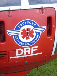 """Alte Frontaufkleber der BO 105 der DRF, erkennbar die """"Schwinge"""""""