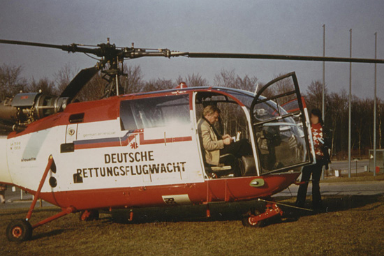"""Alouette III als """"Rot-Kreuz Baden-Württemberg 7"""" für die DRF am Krankenhaus Böblingen"""