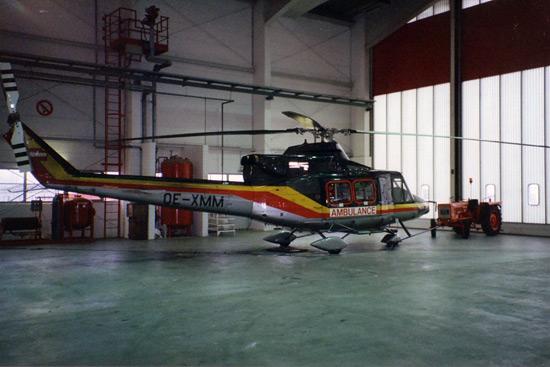 """""""Christoph 50/2"""", Erfurt. OE-XMM (später D-HHXX) hatte HDM nach dem Verkauf der Kufenmaschine D-HHNN vom aufgelösten LRZ Wien abgezogen"""