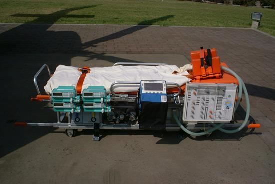 Das Herzstück des ITH (Bell 412) ist die ICTL. Die komplette Intensivtrage von ITS zu ITS. Das System ist kompatibel mit Tragesystemen der Firma FERNO (R)