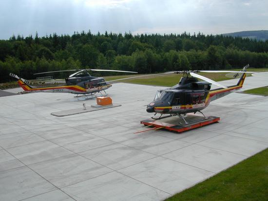 Zwei Bell 412 zum Maschinentausch