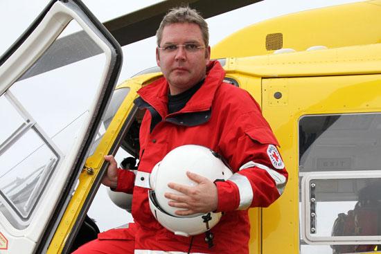 """Für diesen Bericht machte er Dienst auf dem Intensivtransporthubschrauber """"Christoph Westfalen"""": Dirk Behrens"""