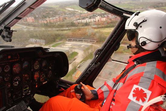 Höchste Konzentrationsfähigkeit und ein überdurchschnittlich schnelles Reaktionsvermögen sind Grundvoraussetzungen für das Fliegen eines Hubschraubers