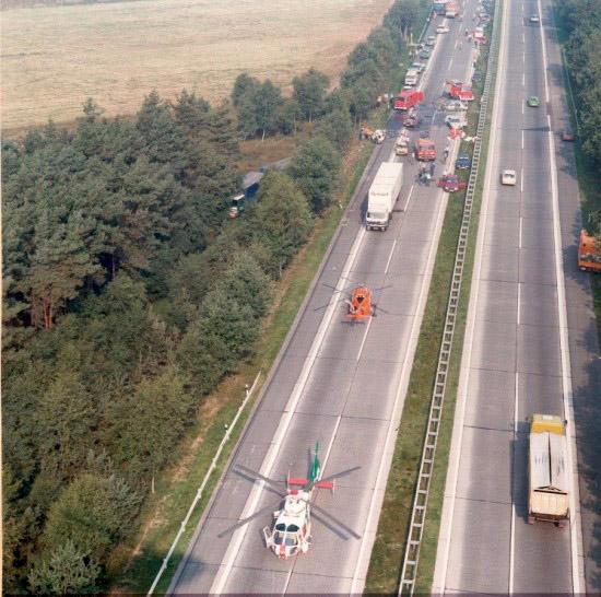 """""""Phönix 14"""" und """"Christoph 4"""" aus Hannover bei einem schweren Verkehrsunfall auf der BAB A7"""