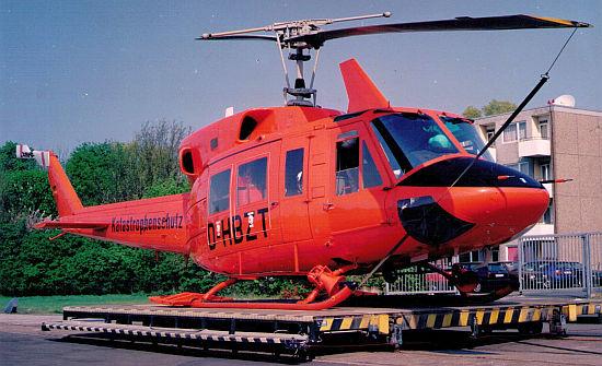 """Upgrade im Norden: 1979 erhielten """"Christoph 6"""" in Bremen und """"Christoph 12"""" in Eutin eine Bell 212 als Einsatzmuster. Sie ersetzten die bisher dort eingesetzten BO105 C"""