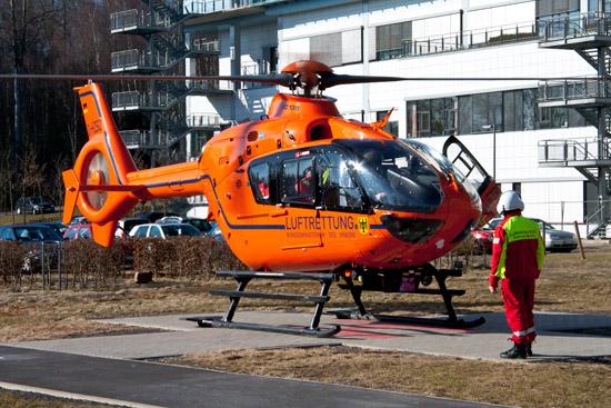 """""""Christoph 3"""" als EC 135, hier an der Uniklinik in Marburg"""