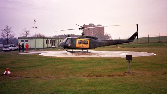 Der Landeplatz in der Nienbergstraße mit der provisorischen Unterkunft für die Crew