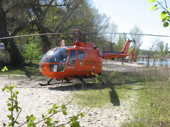 """Die zahlreichen Gewässer im Einsatzgebiet von """"Christoph 35"""" führen im Sommer häufig zu Alarmierungen zu Bade- und Wassersportunfällen"""