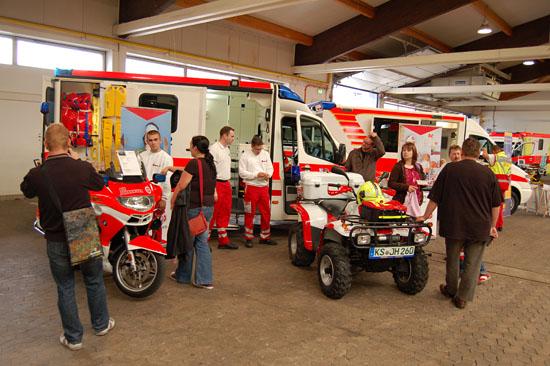 ... und die Johanniter zeigten ein Motorrad, ein Quad und einen modernen RTW, der ASB Nordhessen seinen Baby-Notarztwagen