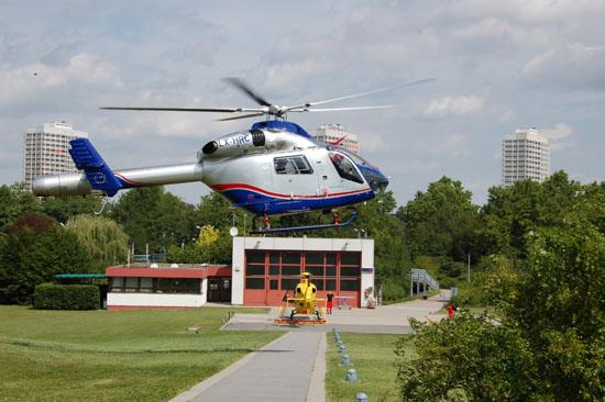 Fast zeitgleich wurde dieses Muster auch in Luxemburg (LAR) eingesetzt, hier eine MD 900 als AIRRESCUE 3 an der BG-Unfallklinik in Ludwigshafen