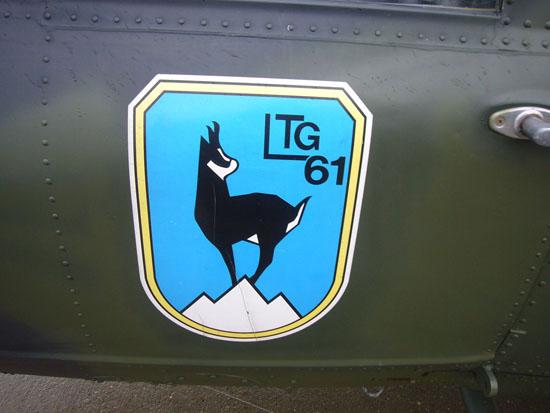 Da die Maschinen gerade in den letzten Jahren häufig unter den Luftwaffenverbänden & sogar teils mit dem Heer getauscht wurden, war auch das auf den Vordertüren aufgebrachte Verbandswappen kein sicherer Indikator dafür, bei wem die Maschine beheimatet ist