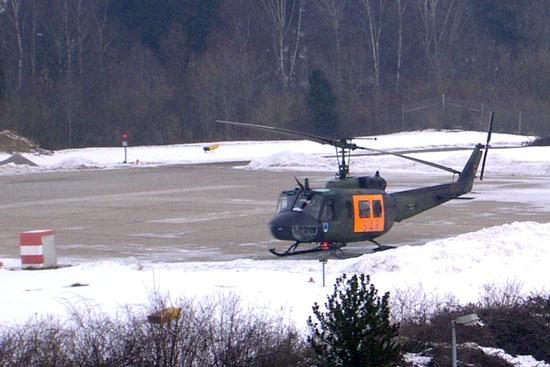 Auf dem Landeplatz am Oberen Eselsberg in Ulm begann 1971 das Engagement der Bundeswehr in der zivilen Luftrettung. Prof F. W. Ahnefeld (†2012) war die Triebfeder vor Ort