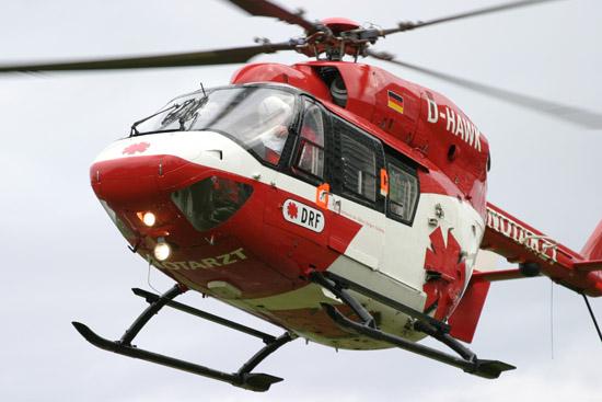 """Erste BK 117 der DRF war die """"D-HAWK"""" (hier bereits im seinerzeit neuen rot-weißen Corporate Design des Team DRF)"""