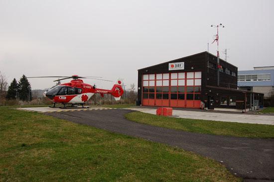 Am Luftrettungsstützpunkt Ochsenfurt setzte die Deutsche Rettungsflugwacht e. V. (DRF) im Jahr 1996 - neben Leonberg - erstmals die EC 135 als Rettungshubschrauber ein. Inzwischen ist die EC 135 DER Standardhubschrauber in der primären Luftrettung.