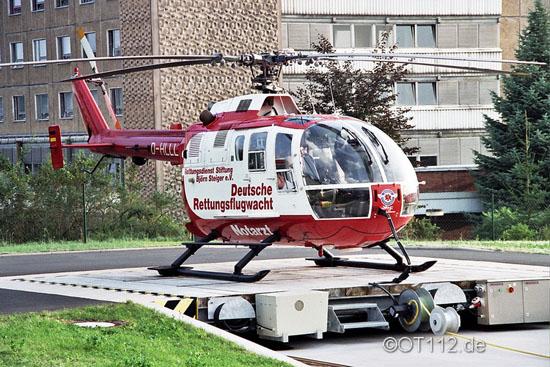 Die BO 105 der DRF e. V. (hier die D-HLLL) warb anfangs auch für die Rettungsdienst-Stiftung Björn Steiger e. V.
