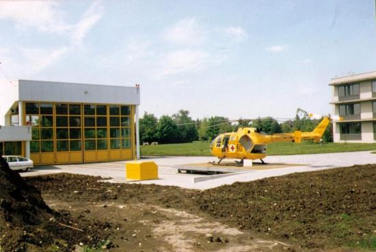 Schon im April 1986 konnte eine moderne Station bezogen werden, hier im Bild kurz nach der Fertigstellung