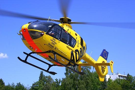 """Mit der EC-135 erhielt """"Christoph 30"""" seinerzeit das modernste Luftrettungsmittel im Land, hier beim Start zum Einsatz am Jubiläumstag"""