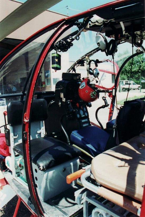 Innenansicht des Cockpits Mitte der achtziger Jahre