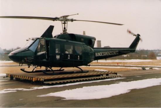 Da es nur zwei orangene Bell 212 des Katastrophenschutzes gab, waren grüne Austauschmaschinen keine Seltenheit. Hier Die D-HGPP