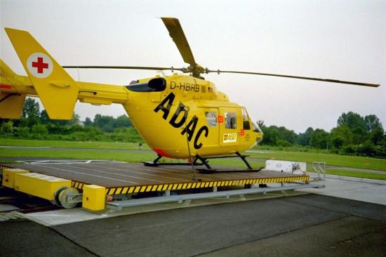 Die BK-117 löste die Bell 212 in Bremen ab. Über einen längeren Zeitraum war die D-HBRB die Standortmaschine