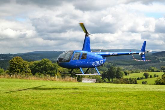Mit einer privaten Robinson R44 konnte man einen Rundflug über die Ardennen machen