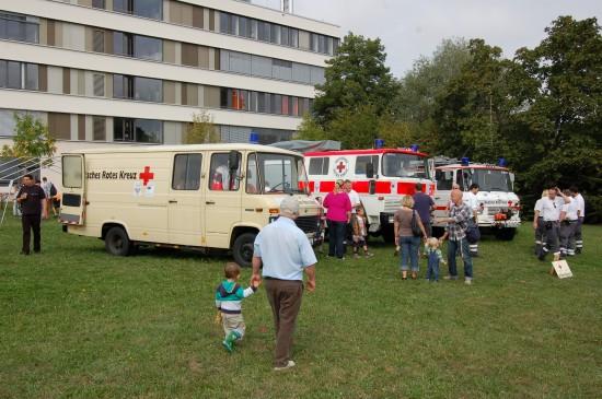 Die Partnerorganisation Rotes Kreuz präsentierte sich u. a. mit einigen Sanitätsfahrzeugen des Katastrophenschutzes