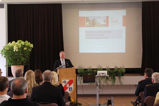 Innensenator Neumann betonte die positiven Auswirkungen des zivilen Engagements der Bundeswehr auf die öffentliche Wahrnehmung der Streitkräfte