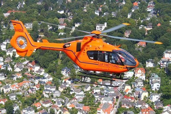 Auch in Hamburg stellt das BBK und Bundeswehr mit Hilfe des dort eingesetzten Hubschraubermusters Luftrettung auf dem neuesten Stand der Technik sicher