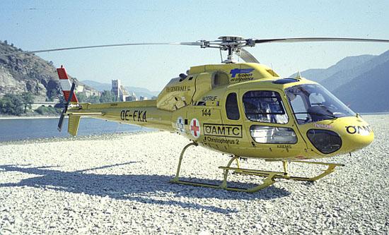 """Über viele Jahre hinweg flog als """"Christophorus 2"""" ein Hubschrauber des Typs AS 355 """"Twin Ecureuil"""""""