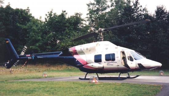 Mit einem Hubschrauber vom Typ Bell 222 wurde am Standort Murnau in den ersten fünf Jahren geflogen