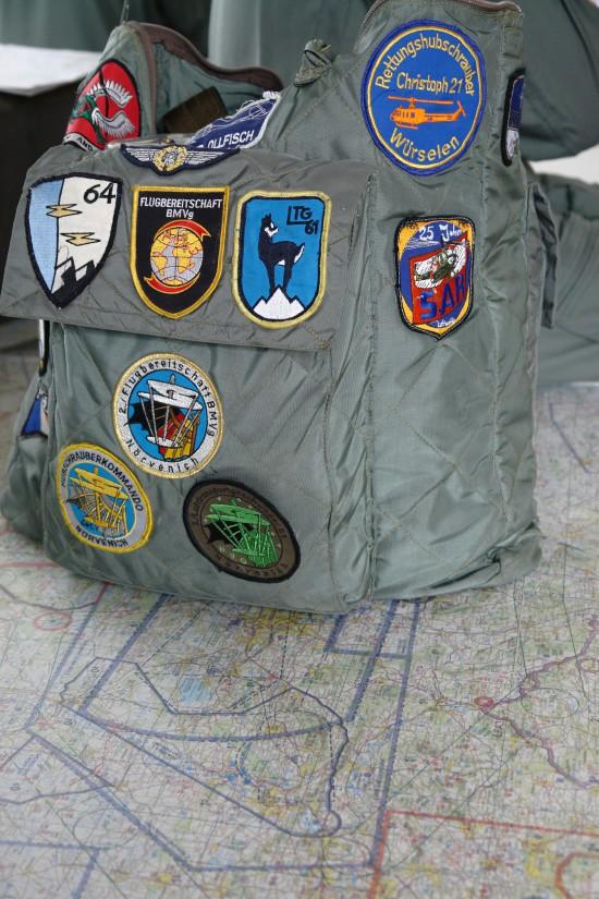 Geschichtsträchtige Helmtasche eines erfahrenen SAR-Fliegers