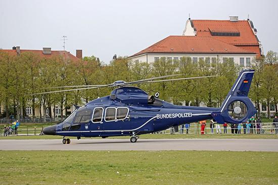 Die Bundespolizei war u.a. auch mit einer H 155 aus Oberschleißheim auf der Theresienwiese präsent