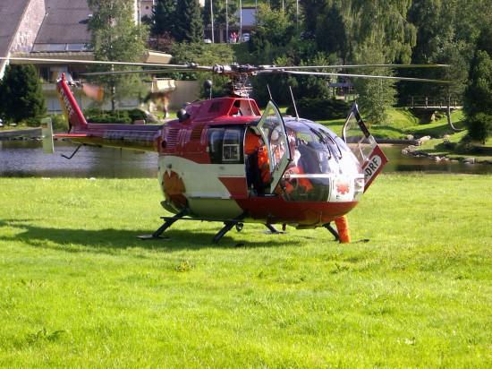 Ebenfalls in Villingen-Schwenningen gelang dem Fotografen diese Aufnahme des rot-weißen Rettungsfliegers